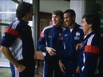 Par quel surnom était mieux connue l'association de ces 4 joueurs ?
