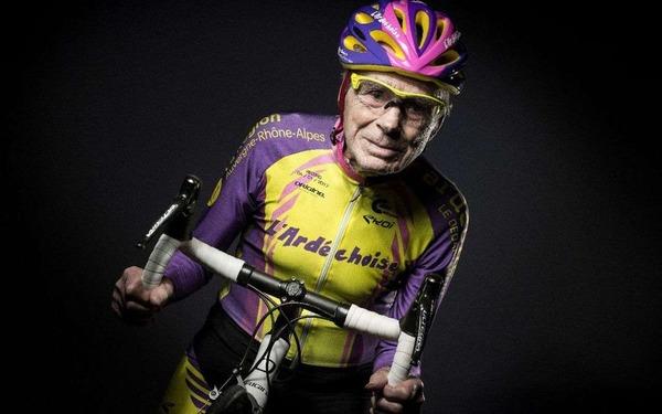 Ce champion de cyclisme vient de mourir (mai 2021) à 109 ans, il était recordman du monde des plus de 100 et 105 ans, quel était son nom ?