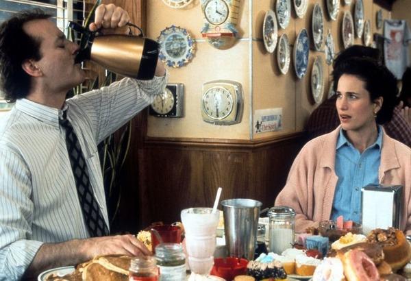 En 1993, dans quel film Bill Murray revit-il toujours la même journée ?