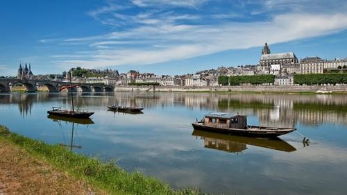 """Quel fleuve, dont la vallée est préservée, surnomme-t-on """"le dernier fleuve libre d'Europe"""" ?"""