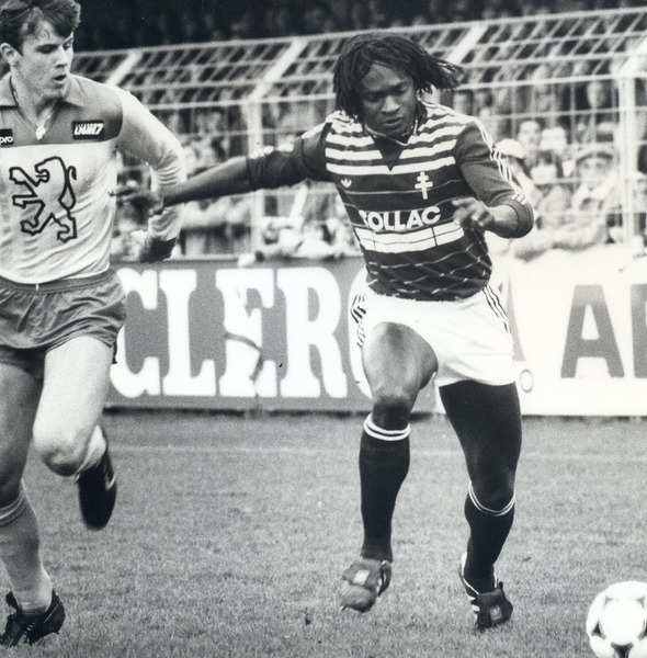 Il est le meilleur buteur du championnat 1986 avec le FC Metz :