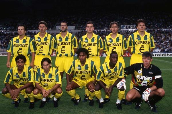 Quel exploit réalise le FC Nantes lors de la saison 94-95 ?