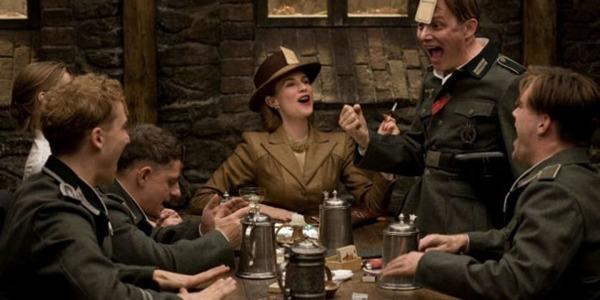 Film de Quentin Tarantino sorti au mois d'août 2009 avec Mélanie Laurent et Brad Pitt ?
