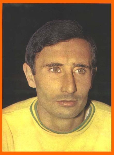 Champion de France avec Nantes en 1965 et 1966, puis entraîneur du club dans les années 80 et 90, il s'agit de ?