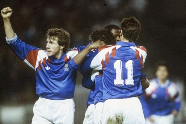 L'équipe de France termine ces éliminatoires avec 8 victoires en 8 matchs.