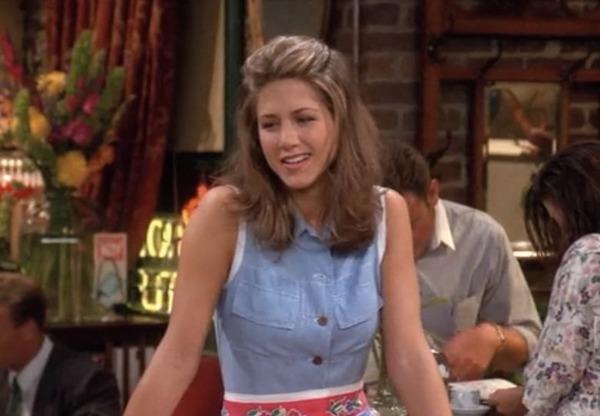 Dans quel Café, Rachel a-t-elle été serveuse ?