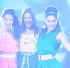Quelle chanson n'est pas chantée par Violetta, Camila et Francesca ?