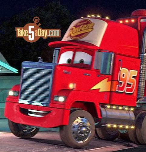 Comment s'appelle le camion dans Cars ?