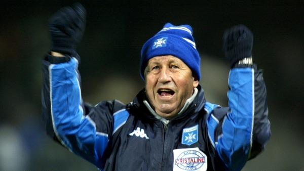 Il est l'un des entraîneurs français les plus célèbres, c'est :