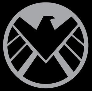 Kto umiera w pierwszej części Avengers?