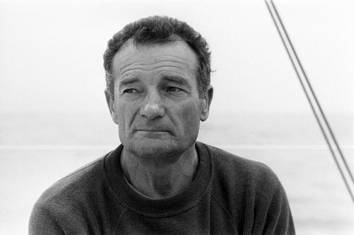 Eric Tabarly est mort en mer à bord de son :