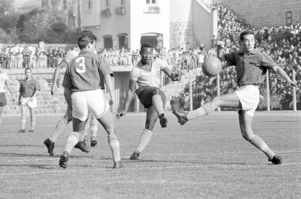 En finale 1962, à qui le Brésil est-il opposé ?