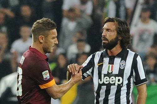Totti, Pirlo e Baggio são de que país ?