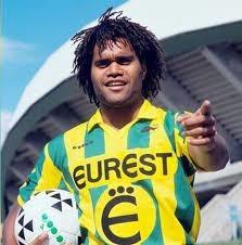Pour quel club Christian Karembeu a-t-il quitté le FC Nantes en 1995 ?