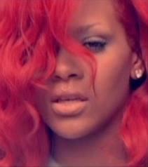 """Complétez ces paroles de Rihanna - """"S&M"""" : Sticks and stones may break my..."""