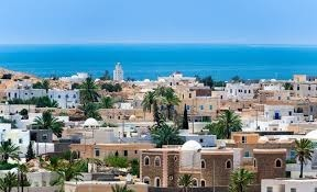 Quelle est la plus grande île des côtes d'Afrique du Nord ?
