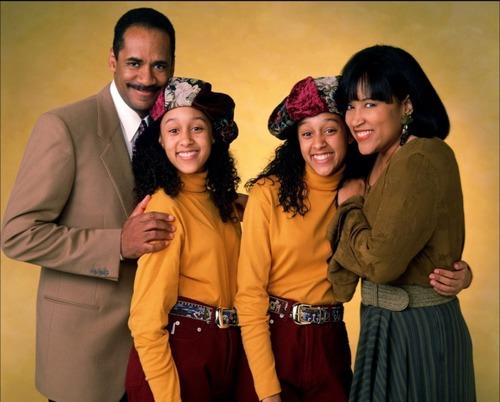 """Dans la série """"Sister, Sister"""" où se rencontrent Tia Landry et Tamera Campbell, des jumelles séparées à la naissance qui ignorait l'existence de l'autre ?"""