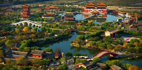 Quel fleuve passe par la ville de Kaifeng ?