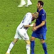 Contre quelle équipe de foot Zinedine Zidane a-t-il pris un carton rouge pour avoir donné un coup de boule ?