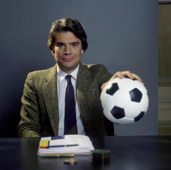 En quelle année Bernard Tapie a-t-il pris la présidence du club pour la première fois ?