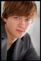 """Jason Earl, sous le nom de """"Jackson"""" dans la série, est-il vraiment le frère de Miley ?"""