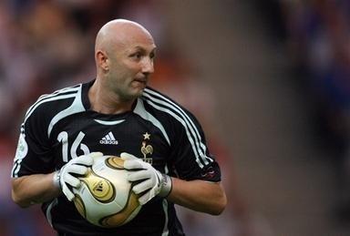 Il s'agit du premier but encaissé par Fabien Barthez dans cet Euro 2000.