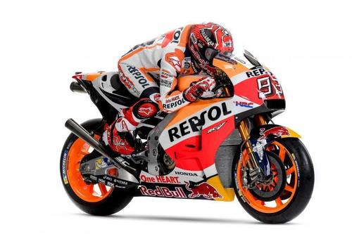 Qual é o nome do irmão mais novo de Marc, que esta no Campeonato Mundial de Moto2 ?