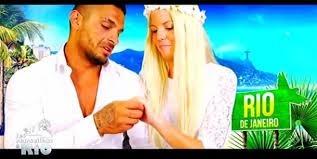 Julien s'est marié avec ?