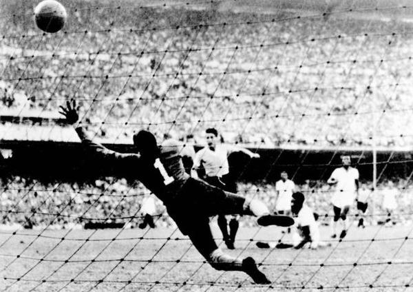 12 ans après, quelles sont les 2 équipes qui s'affrontent en finale 1950 ?