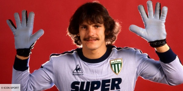 Dans quel club Jean Castaneda a-t-il débuté en pro ?