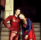 Comment Barry/Flash et Kara/Supergirl se rencontrent ?