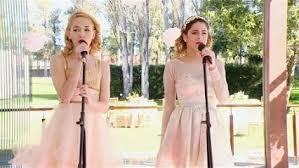 Contre toute attente, Ludmila accepte de chanter en duo avec Violetta lors d'une grande fête organisée par German et Priscila. Que fêtent-ils ?