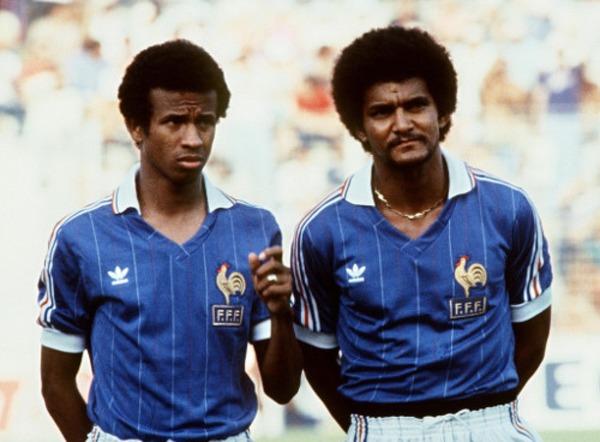 Qui est aux côtés de Jean Tigana sur cette photo ?