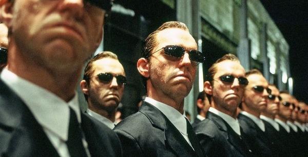 Lui, Hugo Weaving, c'est quel agent dans Matrix ?