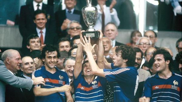 En 1984, l'équipe de France remporte le trophée en battant en finale .....